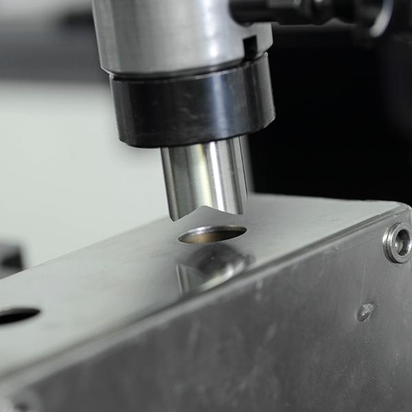 Produkte Stanz- und Prägemaschinen